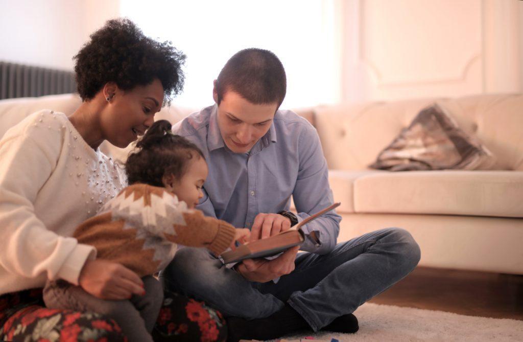 parents read stories